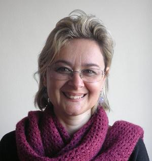 Antonella, 50 <br/> Assistente sociale