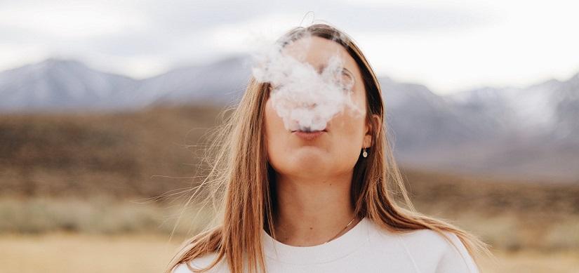 Giovani, fumo e alcol: ecco cosa succede alle arterie